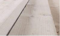 Info: Rauhschalung aus Fichtenholz oder Lärchenholz